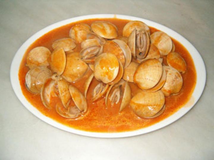 Almejas a la marinera for Hacer salsa marinera