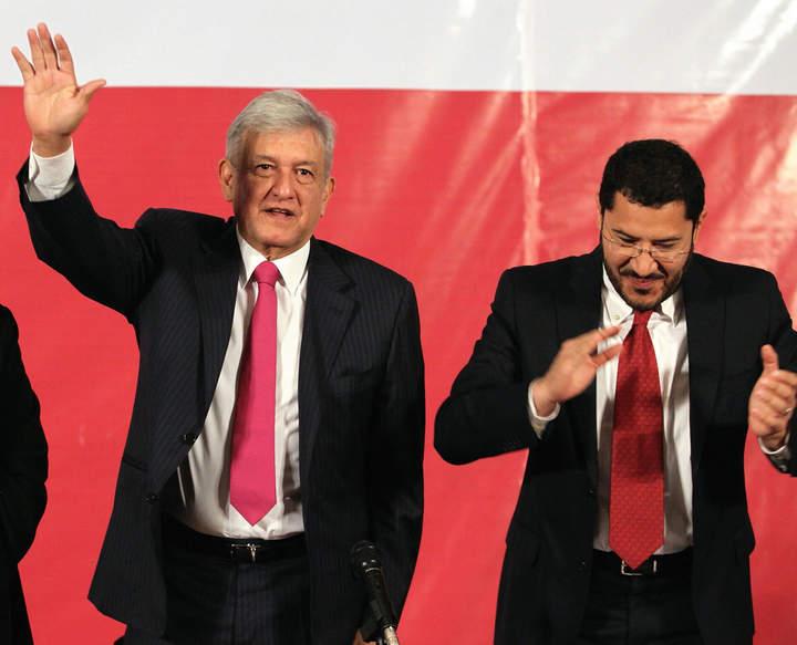 López Obrador reaparece en Consejo de Morena