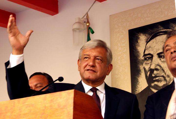 Morena revertirá todas las privatizaciones: López Obrador