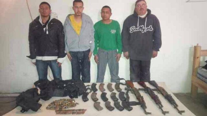Detienen en Sabinas a cuatro con armas