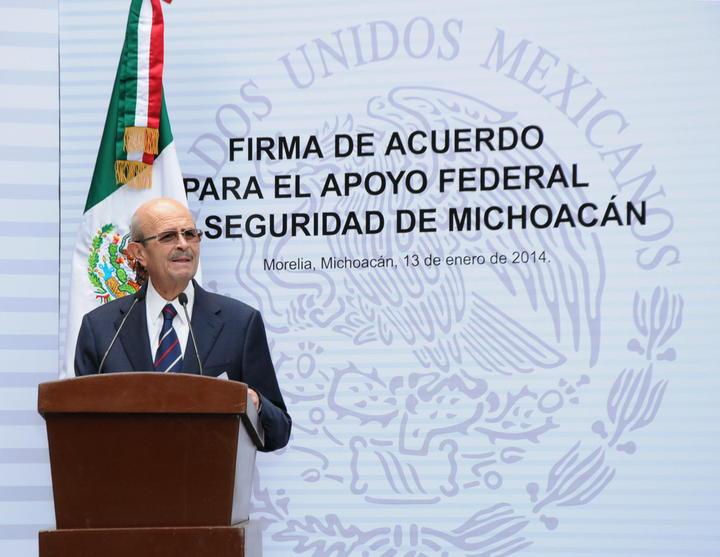 Fausto Vallejo arriba a Apatzingán