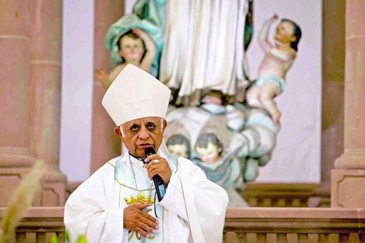 Pide obispo desterrar a los