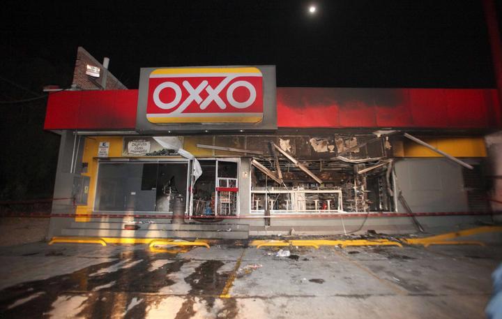 Confirma Femsa ataque a 5 tiendas