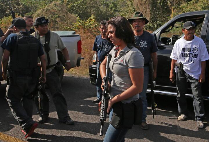 Autodefensas piden liberación de 48 detenidos