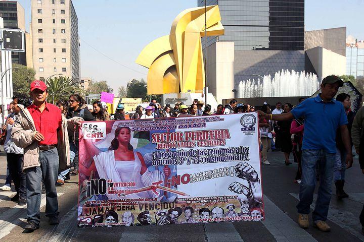 Logra CNTE eliminar sanciones por plantón