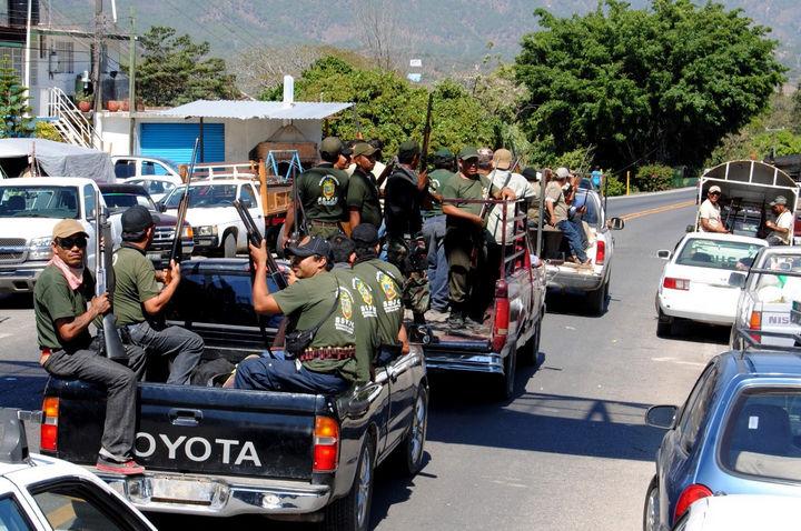 Autodefensas se extienden en 8 pueblos de Guerrero