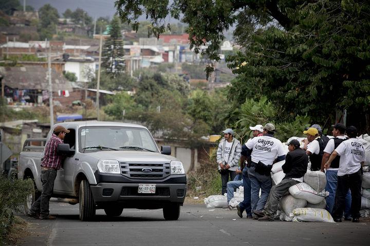 Suman 135 detenidos en Michoacán
