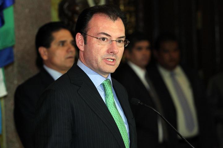 Descarta Videgaray variaciones en impuestos en tres años