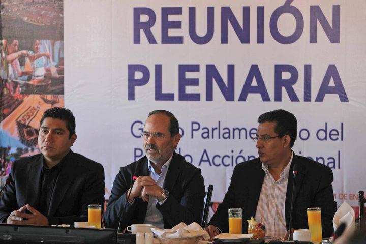 Madero y Cordero se dan la mano en plenaria del PAN