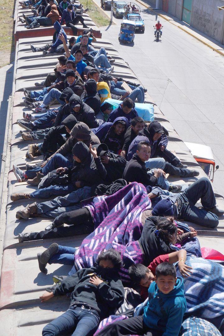 Rescata migración a 245 extranjeros