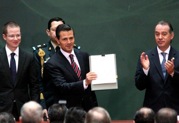 Reforma en transparencia cierra espacio a opacidad: Peña Nieto