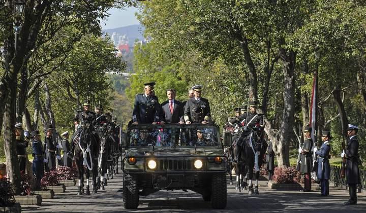 Conmemora EPN la Marcha de la Lealtad