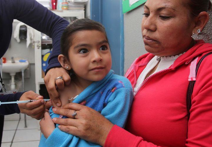 Suman 4 mil 4 casos de influenza