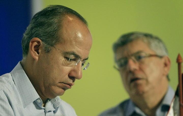 Felipe Calderón respeta politíca de seguridad de Peña Nieto