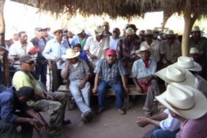 SCT equipará con Internet a tribu yaqui