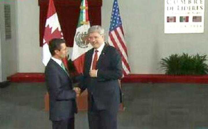 EPN recibe a Harper en Toluca