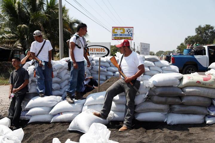 Se han registrado casi 700 autodefensas en Michoacán: Vallejo