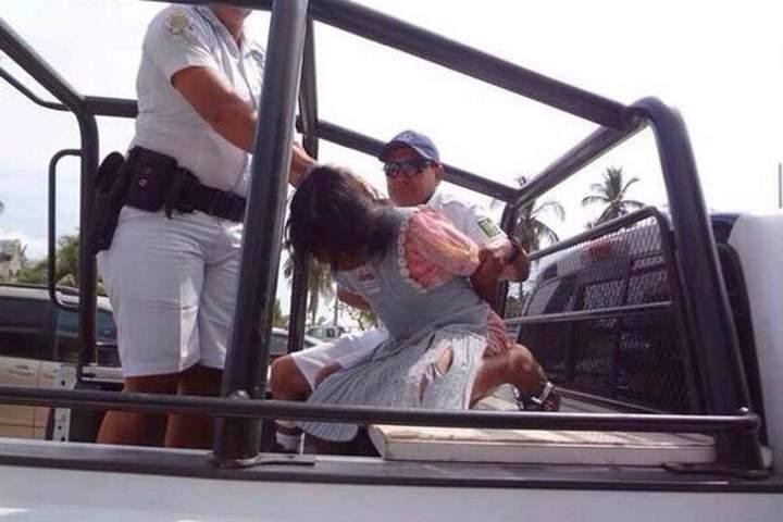 Detienen a indígena por robar botella de agua