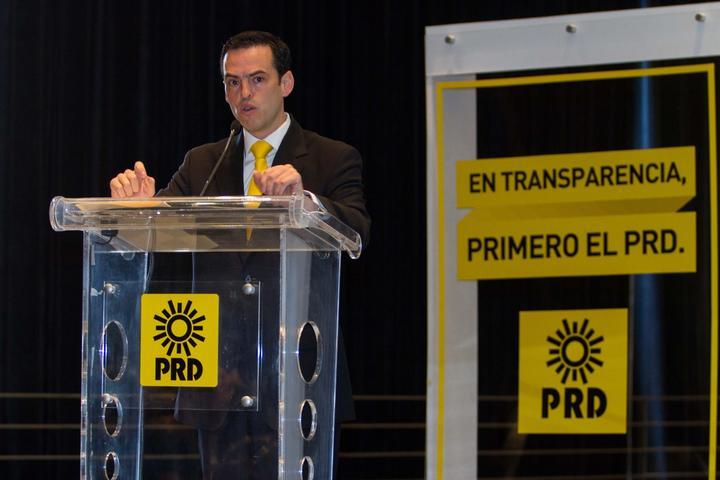 Deuda es de Robles, no del PRD, dice secretario de Finanzas