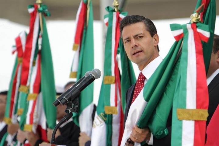 Peña Nieto acude a festejo priísta