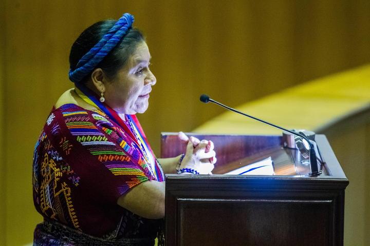 Impiden acceso a Rigoberta Menchú en su propio evento