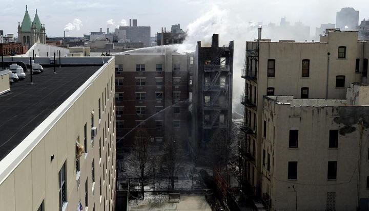 Treinta mexicanos permanecen en albergues tras explosión en NY