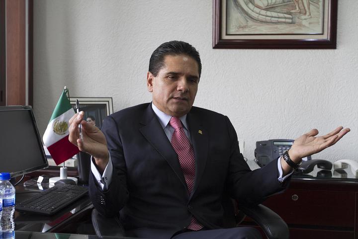 Urge Aureoles a presentar ley secundaria de reforma político electoral