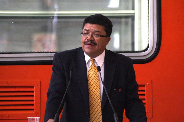 Ex director del Metro dice desconocer situación de L-12