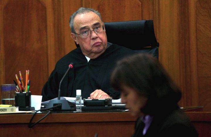 Divide a Corte consulta