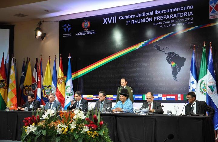 Pide Peña Nieto renovar Cumbre Iberoamericana