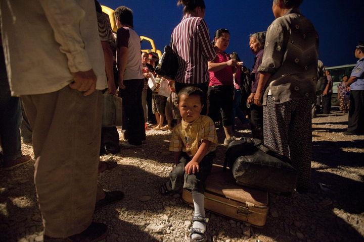 Rescatan a  370 menores migrantes
