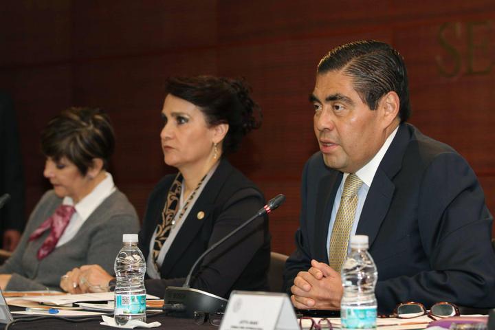 Exige Barbosa desmantelar Templarios y autodefensas en Michoacán