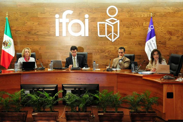 Consultan expertos para selección en IFAI