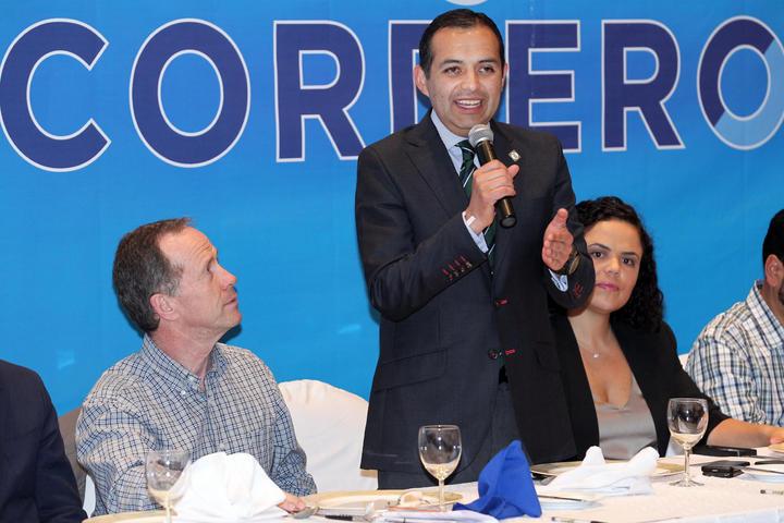 Ernesto Cordero celebra el regreso del PAN a debate energético
