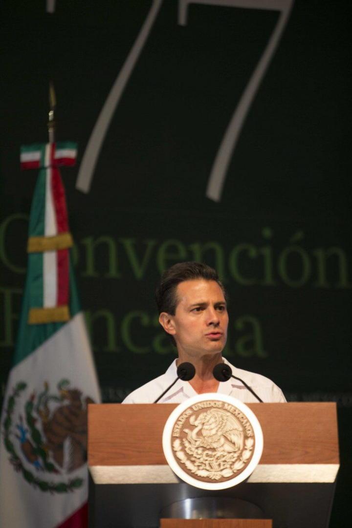 Enrique Peña Nieto felicita al INE