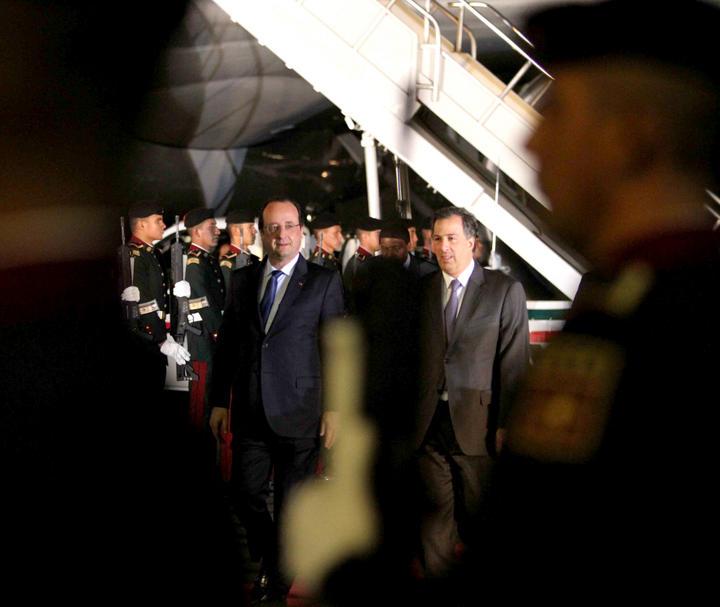 Llega presidente de Francia a México