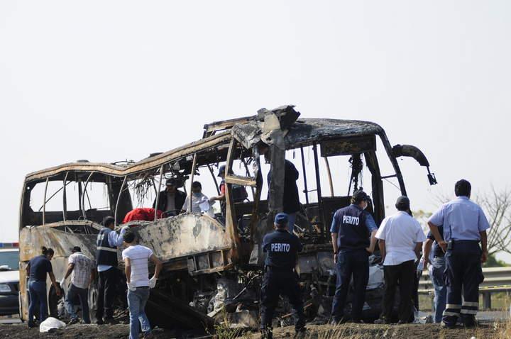 Suman 36 muertos por accidente en Veracruz