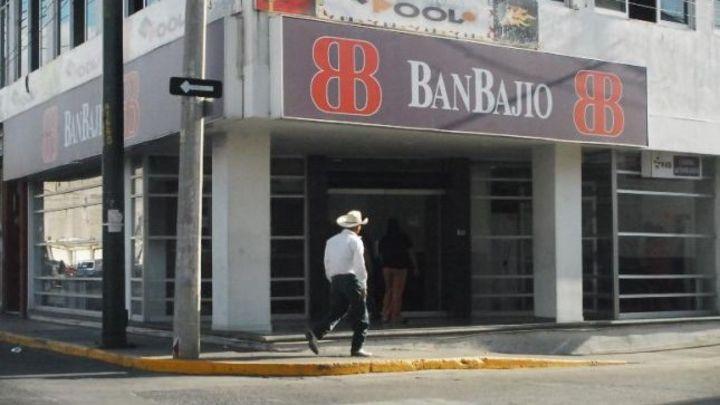 Recibe distintivo empresa BanBajío
