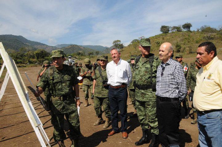 Guerra al narco pega a finanzas de la Sedena