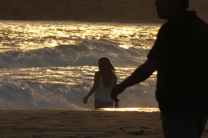Prohíben nadar en Acapulco
