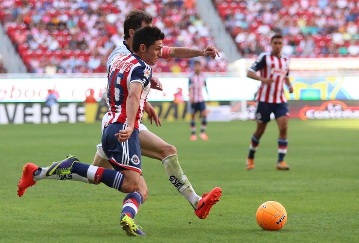 Chivas buscará contratar a Oribe Peralta o Alan Pulido para reforzar