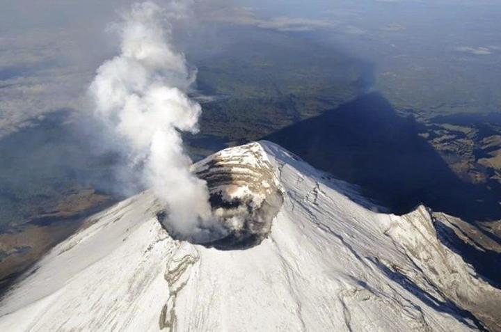 Cenapred reporta 73 exhalaciones en el volcán Popocatépetl