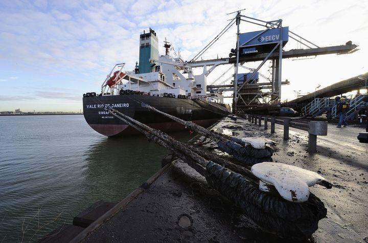 Decomisan 68 mil toneladas de hierro ilegal