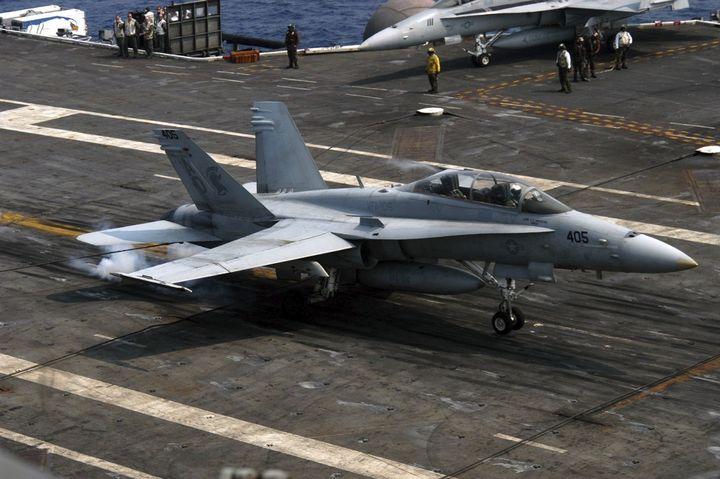 Se estrella avión de EU en el Golfo de México