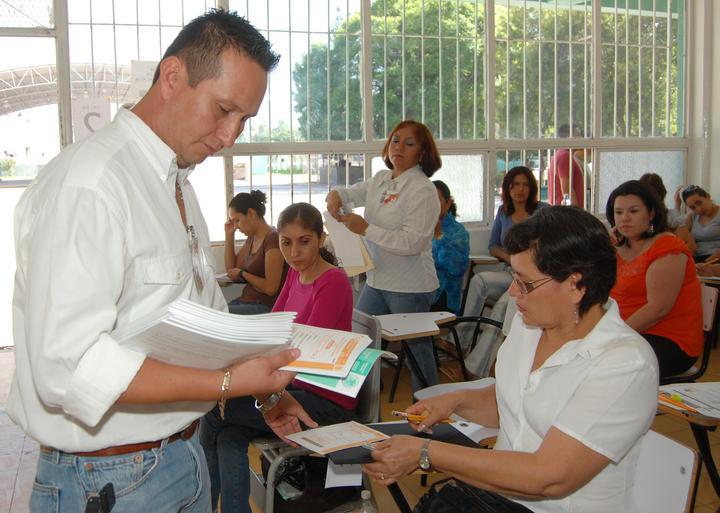 Ofertan en durango s lo 74 plazas para docentes for Convocatoria plazas docentes