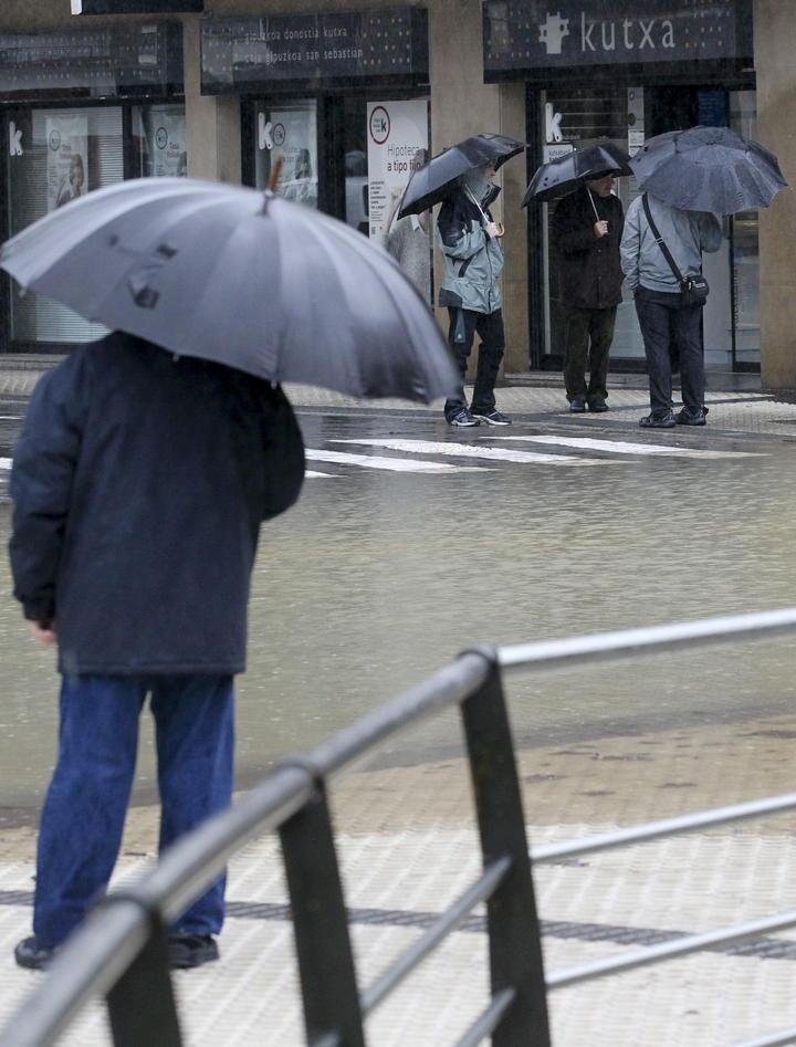 En alerta centro del país por lluvias de posible ciclón