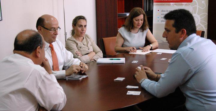 Impartirá Podolsky charla de economía