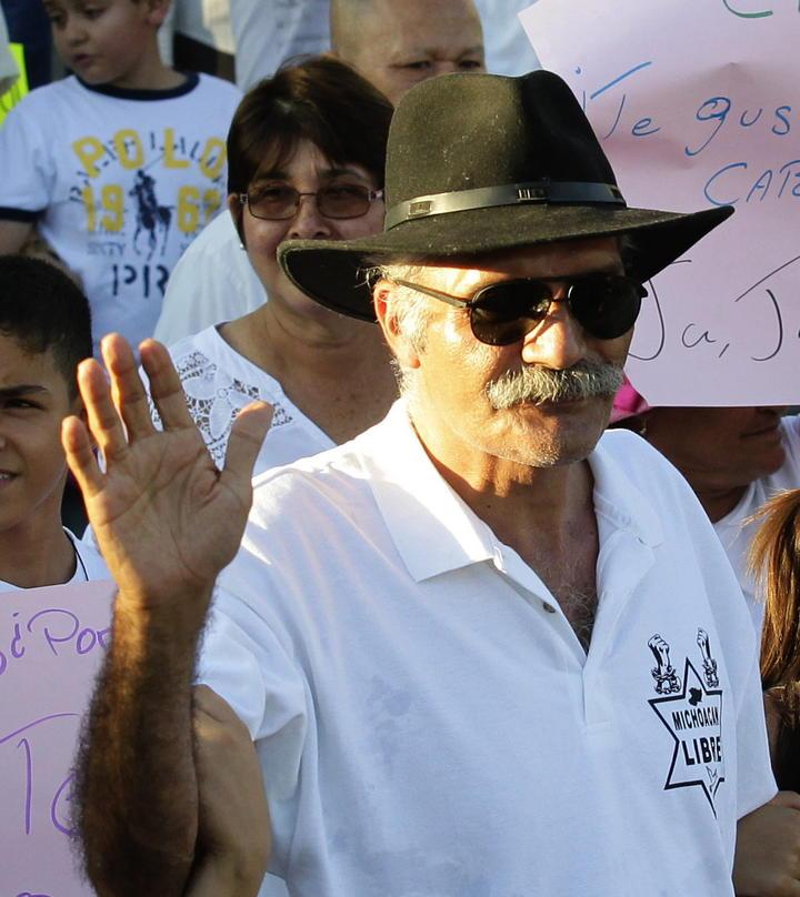 Mireles anuncia Movimiento Nacional de Autodefensas