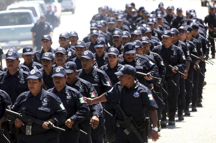 Consignan a 32 policías por delito de secuestro