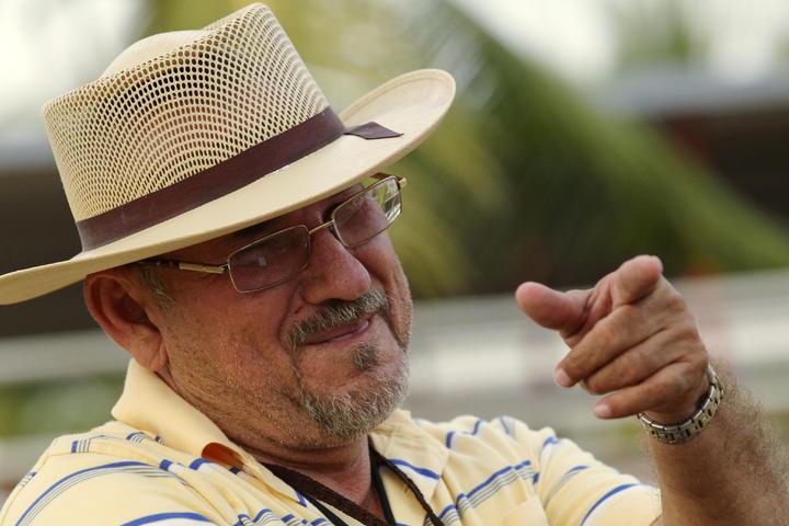 Revocan formal prisión a Hipólito Mora